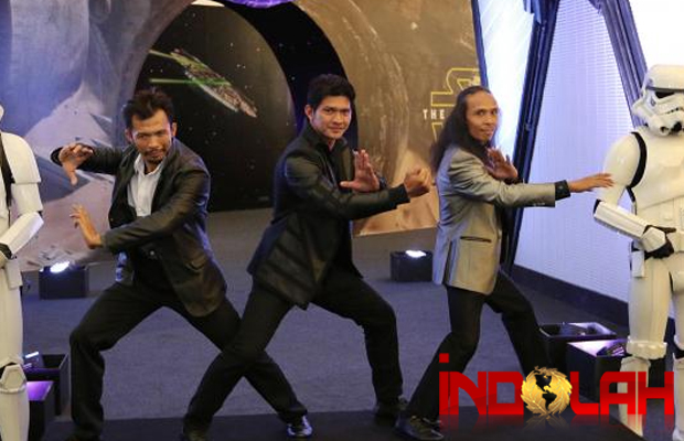 Beginilah Aksi Iko Uwais dkk di Star Wars: The Force Awakens